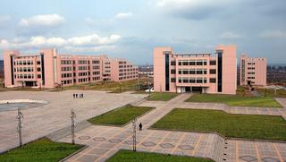 学校广场设计效果图