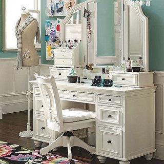 白色优雅梳妆台图片