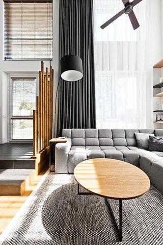 85平米loft效果图客厅窗户设计