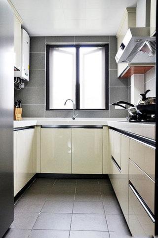 时尚现代都市厨房 米色橱柜设计