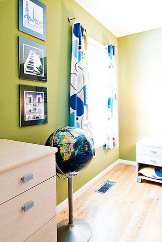 92平米三居室装修案例卧室角落设计