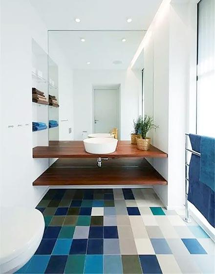 蓝色调马赛克卫浴间地砖