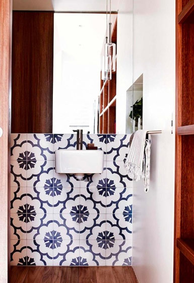 青花瓷瓷砖卫生间
