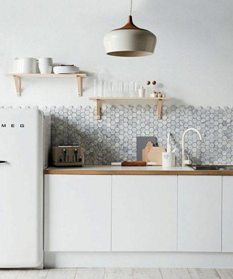 明亮厨房彩色瓷砖设计图