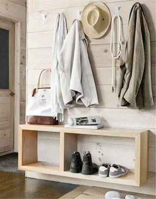 玄关低矮鞋柜设计