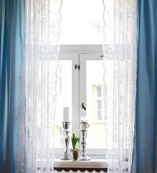 白色蕾丝窗帘