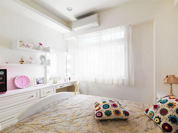 55平米田园风格卧室窗户设计