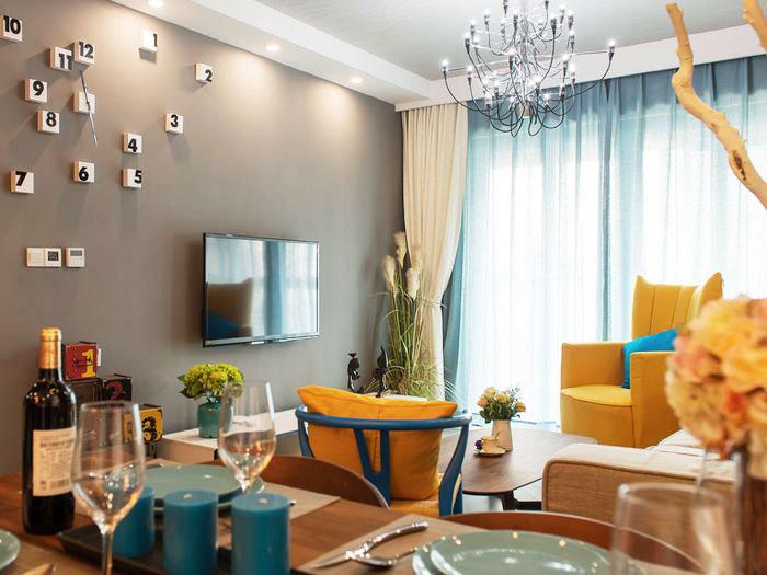 80平装修效果图客厅电视背景墙设计