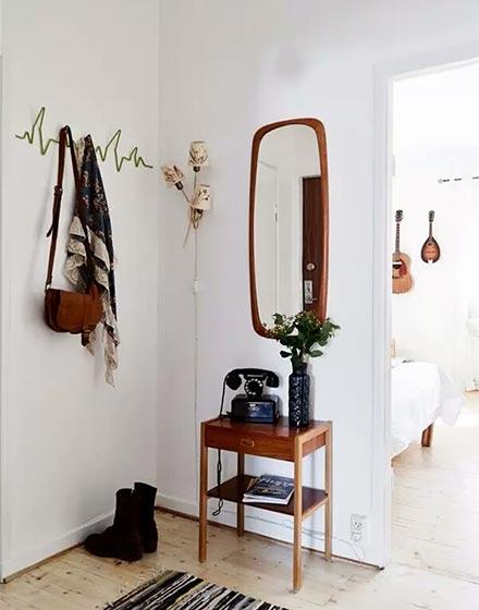 暖棕色玄关家具布置图