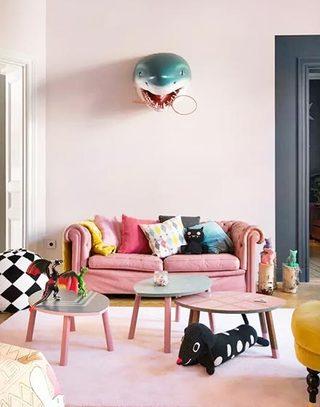 粉色系可爱客厅设计