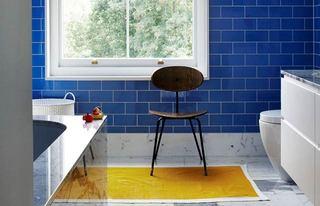 北欧风湖蓝色浴室背景墙设计