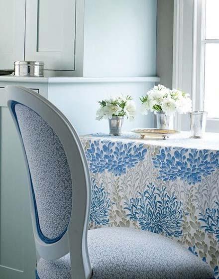 蓝色清新餐厅桌布图片