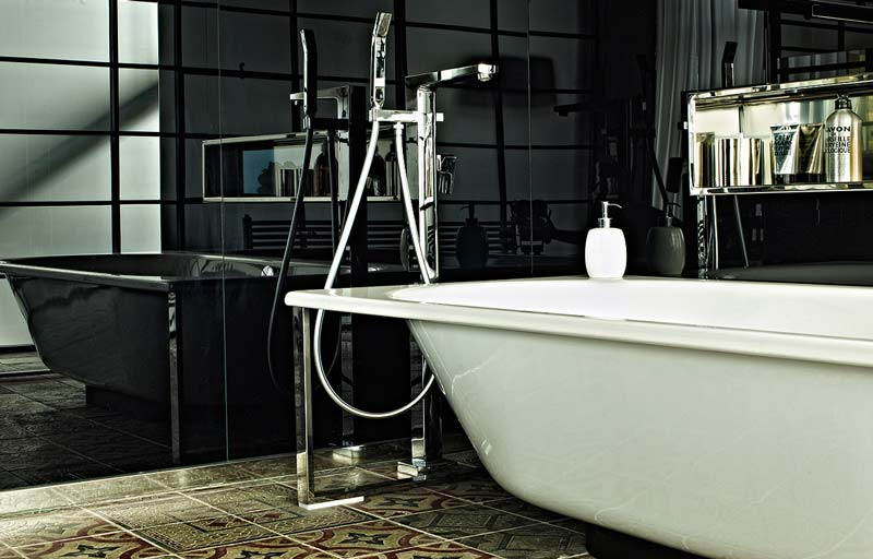 loft风格黑白浴缸效果图