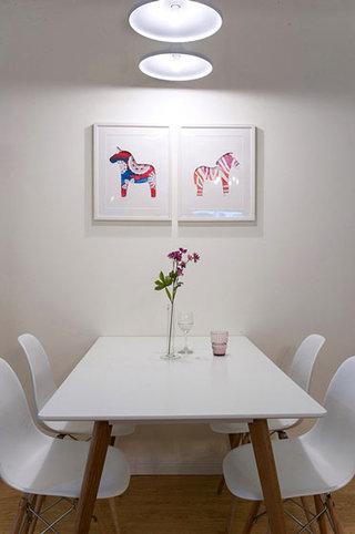 简易餐厅背景墙装饰画效果图