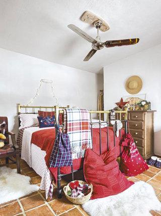 复古简洁北欧风卧室设计图