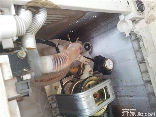 教大家简易洗衣机排水阀故障如何处理图片