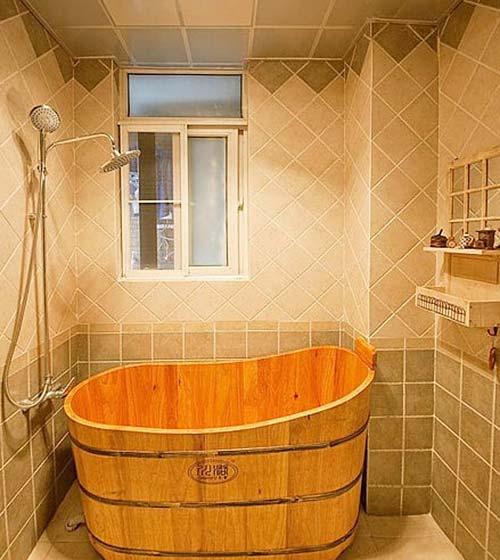 田园浴缸卫生间效果图