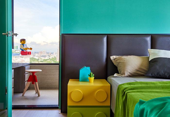童趣带阳台卧室装修效果图