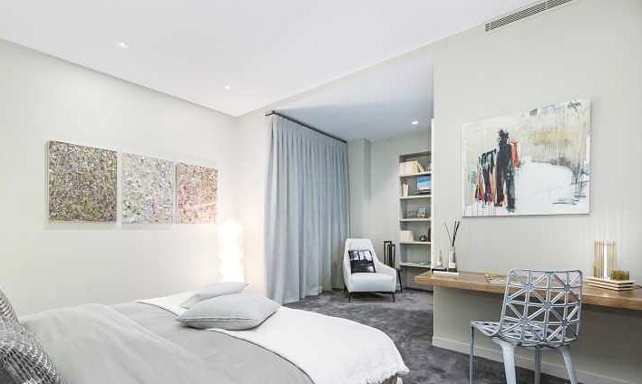 艺术法式公寓卧室照片墙设计