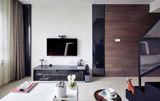 现代简约风客厅 电视背景墙装饰图