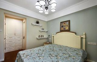 美式粉蓝色卧室背景墙装修效果图