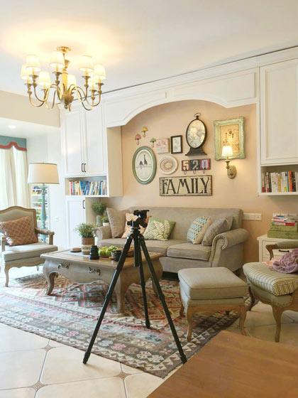 轻法式风格沙发背景墙装修效果图