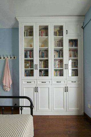 次卧室白色书柜装修效果图