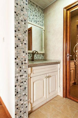 美式风格米色洗手台装修效果图