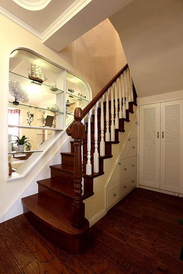 田园风格实木楼梯装修效果图