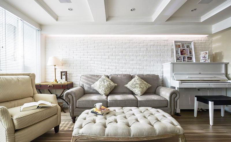 美式乡村风格温馨沙发背景墙装修图片