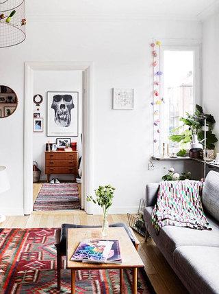 白色简洁客厅背景墙装修效果图