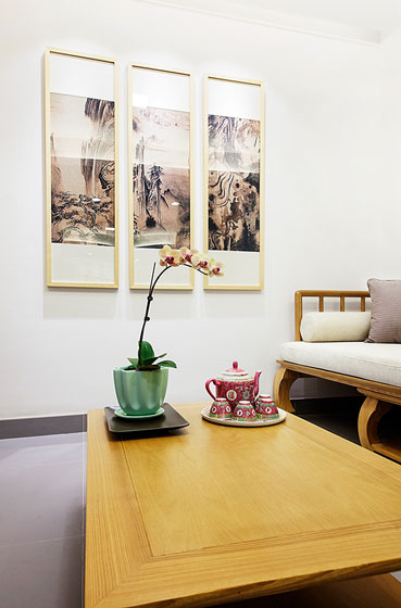 温馨中式客厅照片墙效果图