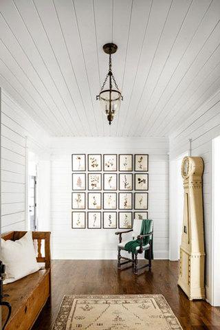美式田园白色木色玄关装修效果图