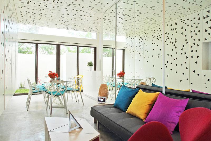 现代时尚镜面客厅餐厅吊顶装修设计