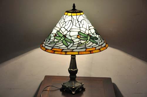 复古风格台灯参考图片