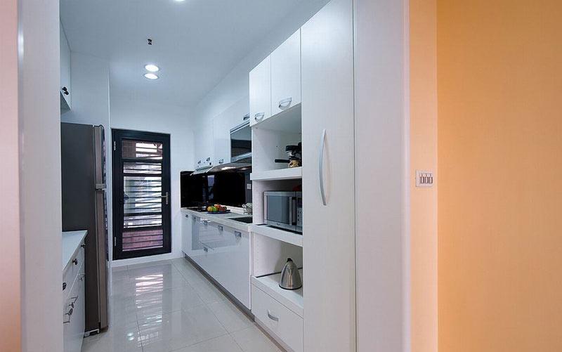 纯白简约风厨房装修设计