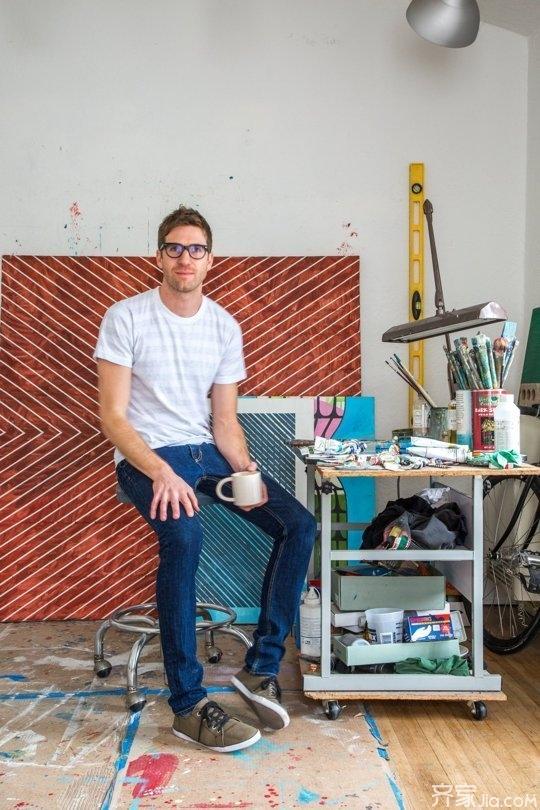 艺术家Nick到公司的距离只有0.01公里