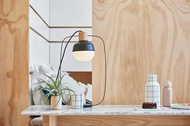 10平米超小户型书桌台灯图片