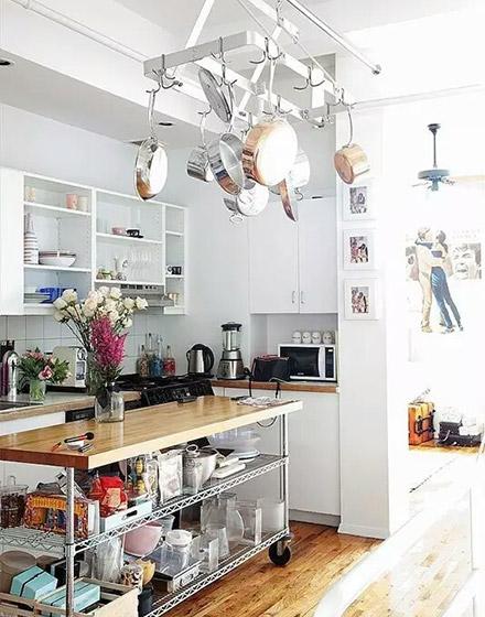 温馨开放式厨房吊顶图