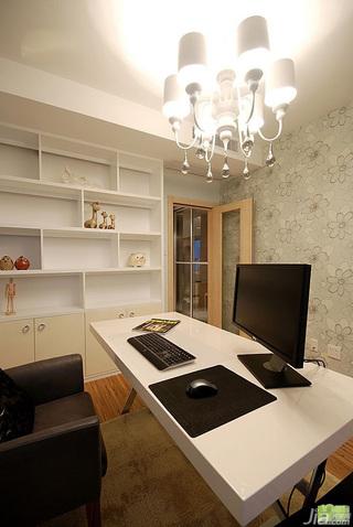 欧式风格三居室豪华型效果图