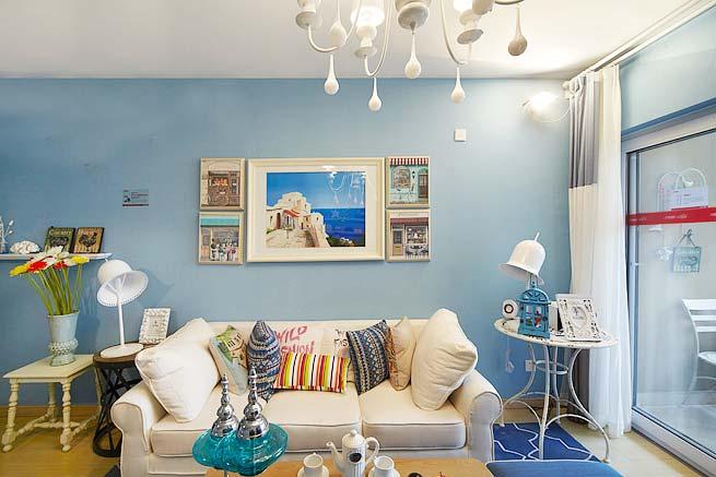 蓝色地中海风情客厅照片墙设计