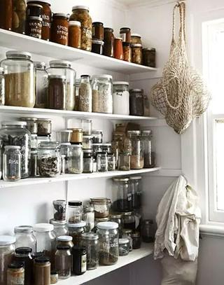 实用厨房调味罐墙面收纳效果图装修