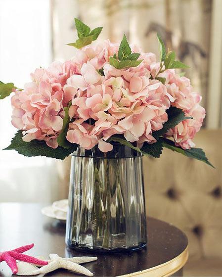 粉色餐桌花卉布置装修效果图
