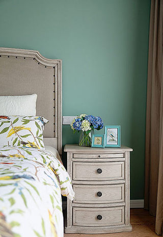 75平美式风格做旧床头柜设计图