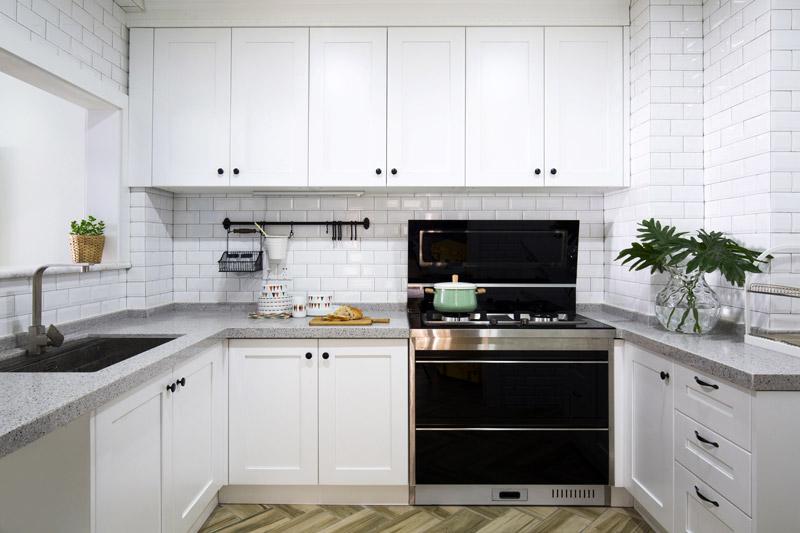 纯白北欧风厨房橱柜装潢图