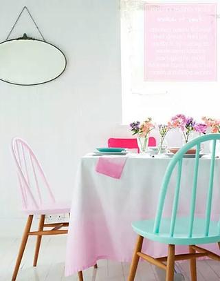 清新马卡龙色餐厅桌布图片