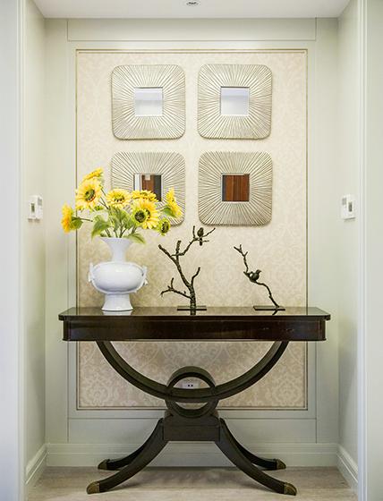 典雅美式玄关背景墙摆台设计