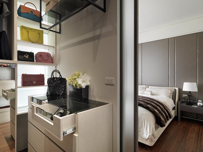 112平米现代前卫带衣帽间卧室图片大全
