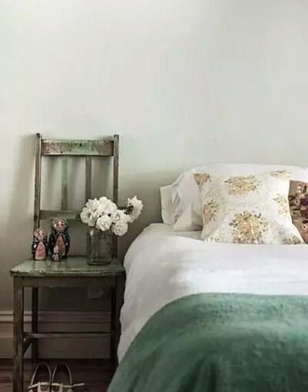 复古绿色卧室装修图片