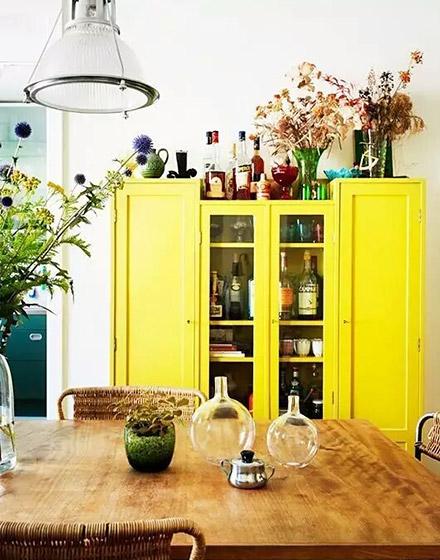黄色餐边柜效果图